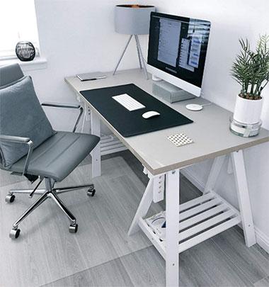 Bodenschutzmatte am Schreibtisch