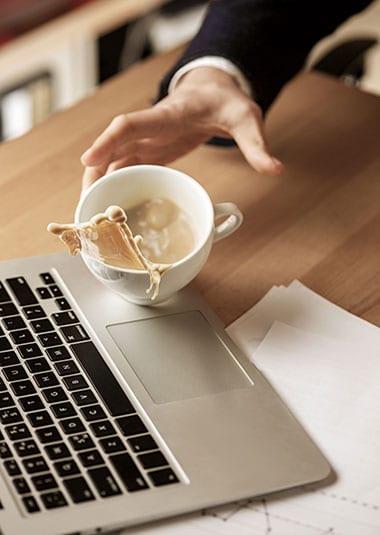 Tastatur Kaffee verschütten