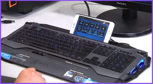 Die Top 5 Gaming-Tastaturen mit Handyhalterung